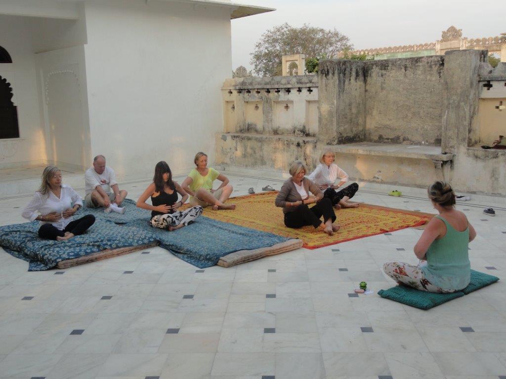 Teaching yoga Ravla Khempur Sat 28 Nov 2015.jpg